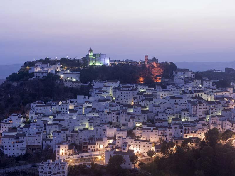 Udsigt over Malaga By om aftenen