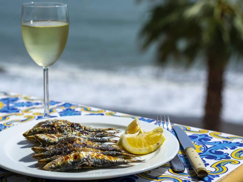 Sardines espeto, Malaga fisk på grillpind