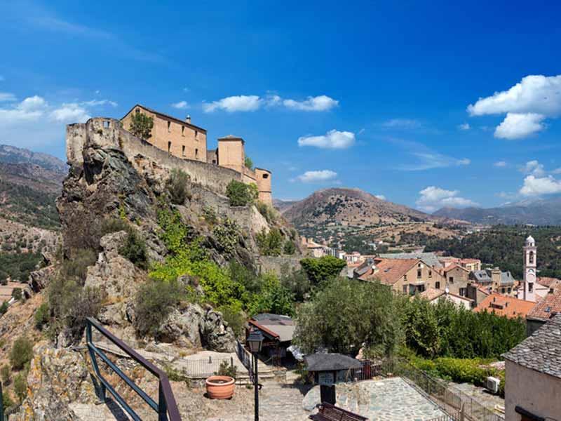 Bo i denne berømte citadel og historiske by: Corte, Korsika